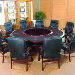 Những mẫu bàn ghế phù hợp với không gian họp cuối năm
