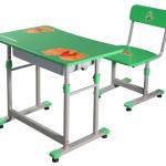 Chọn bàn ghế đúng chuẩn cho bé đón năm học mới