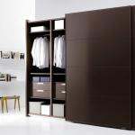 Không gian phòng ngủ rộng rãi hơn với Tủ quần áo Hòa Phát