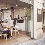 4 lí do bạn nên lựa chọn bàn ghế gỗ cho quán cafe