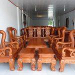 Có nên mua bộ bàn ghế phòng khách gỗ đỏ hay không?