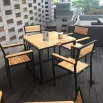 Chọn bàn ghế gỗ cafe mini các chủ quán café cần biết