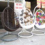 Ghế xích đu giá rẻ Hòa Phát – nổi bật không gian sân vườn