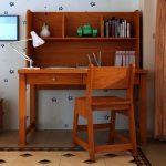 Có nên mua bộ bàn ghế học sinh bằng gỗ tự nhiên không?