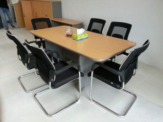 bán thanh lý bàn ghế văn phòng
