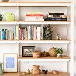 Gợi ý trang trí phòng ngủ bằng kệ sách