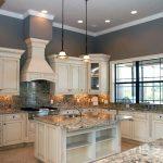 Thiết kế nội thất phòng bếp tân cổ điển có đặc điểm gì?