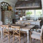 Chọn bàn ăn vintage cho không gian bếp lãng mạn