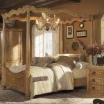 Thiết kế phòng ngủ kiểu Pháp cổ điển sang trọng