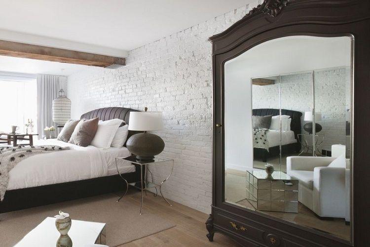 Cách treo gương trong phòng ngủ