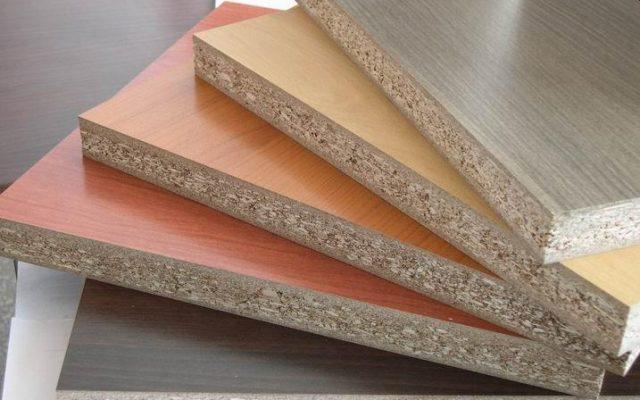 <em>Bề mặt cắt gỗ MFC</em>