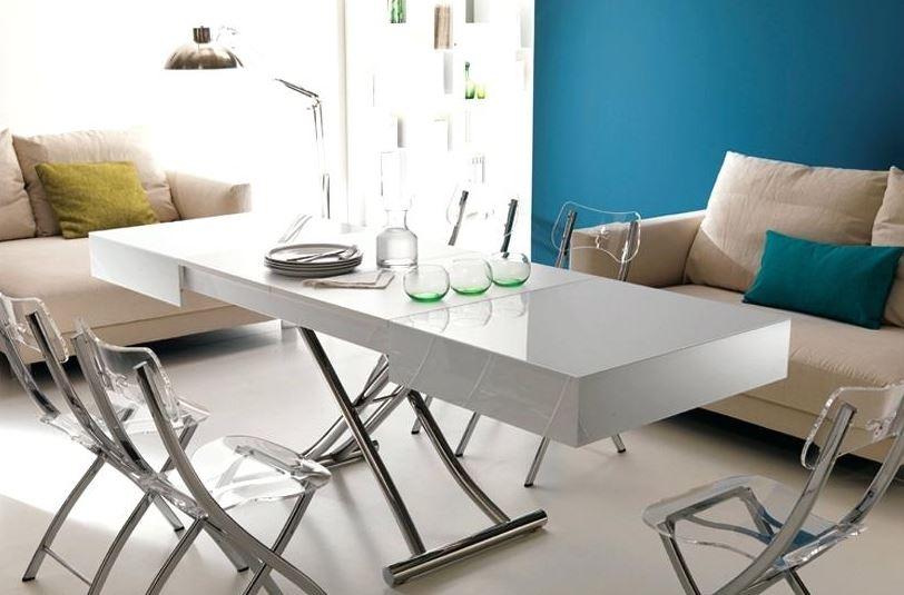 Chiếc bàn có thể điều chỉnh độ rộng theo ý muốn dể dàng