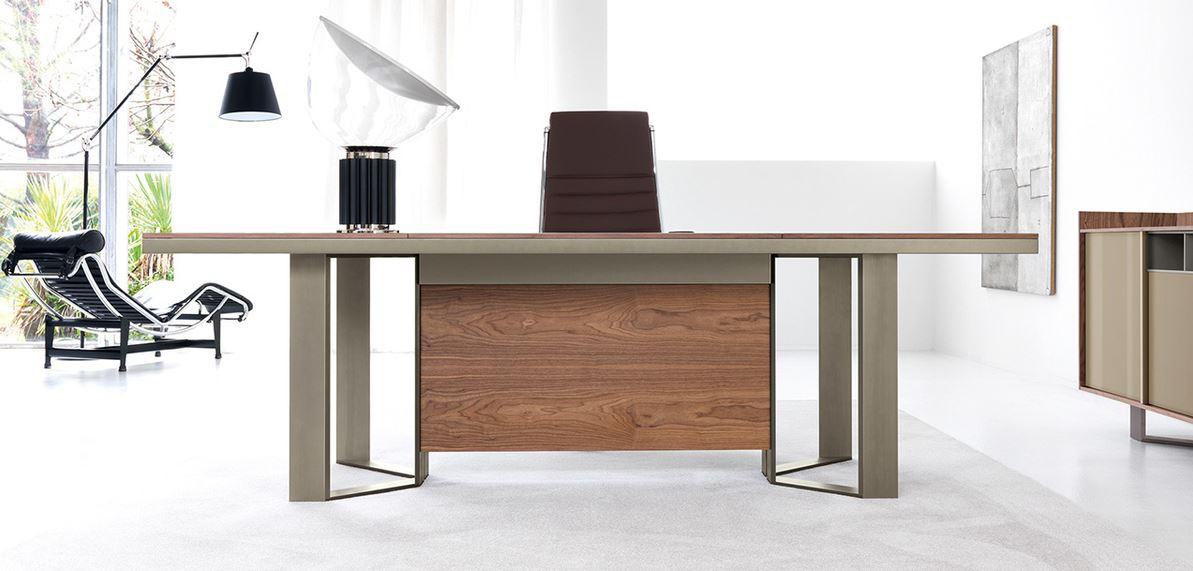 Chiếc bàn giám đốc đẳng cấp và sang trọng