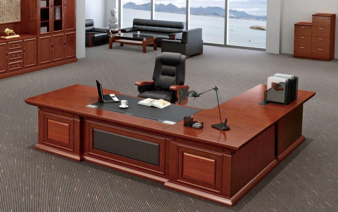 Chiếc bàn làm việc dành cho giám đốc với kiểu thiết kế hiện đại, sang trọng