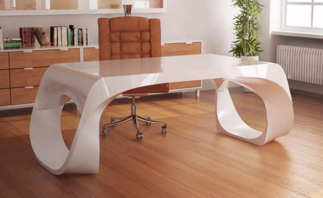 Chiếc bàn thiết kế theo phong thủy của chủ nhân