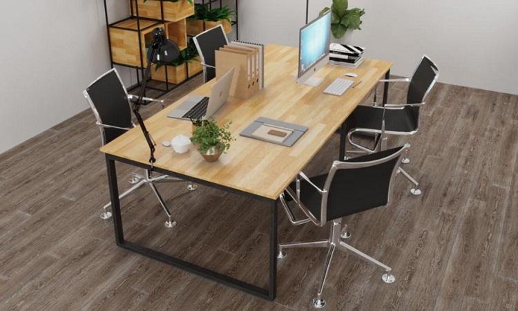 Với mẫu bàn 4 người sẽ có nhiều cách bày trí khác nhau