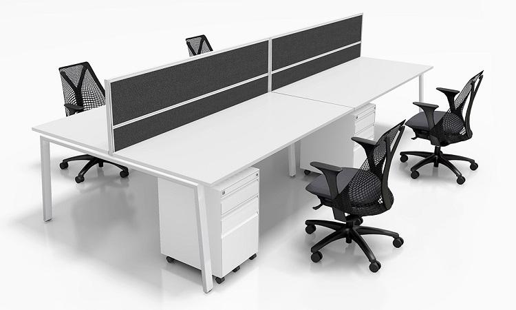 Thiết kế bàn làm việc cụm 4 với vách ngăn hòa phát