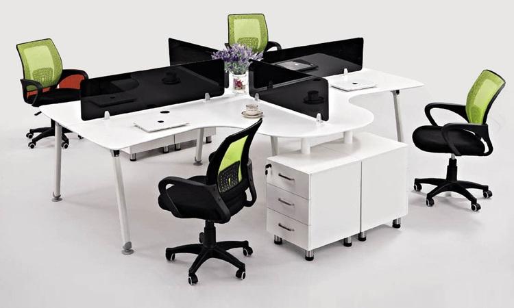 Mẫu bàn module Hòa Phát với thiết kế chân liền kệ tủ tiện dụng, mặt bàn cách điệu hiện đại