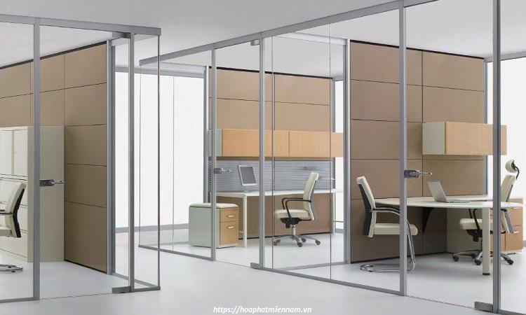 Với không gian văn phòng lớn, việc đóng vách ngăn chia theo từng khu vực khả dụng là điều dể dàng thực hiện