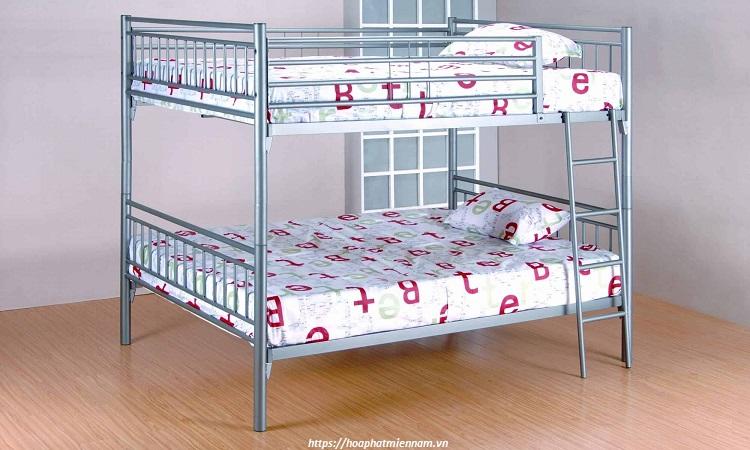 Kinh phí hạn hẹp nên mua giường sắt 2 tầng cũ