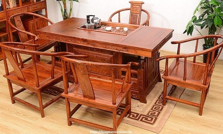 Bàn ghế làm từ gỗ Hương