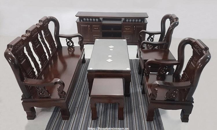 Bàn ghế kiểu trung Hoa sang trọng vơi đường nét chạm khắc thủ công