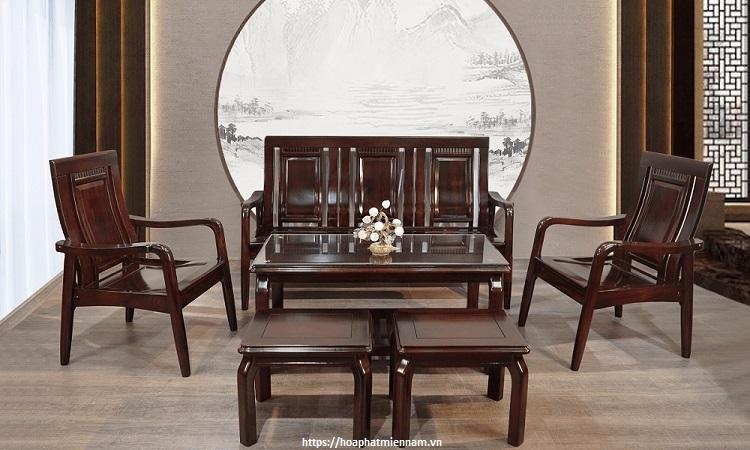 Đồ gỗ Trung Quốc thường có màu trầm.