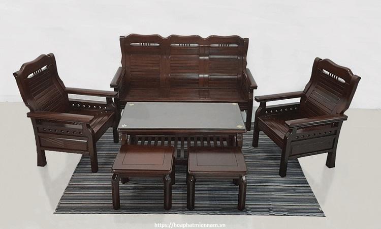 Mẫu bàn ghế phòng khách mang thiết kế Trung Hoa xưa