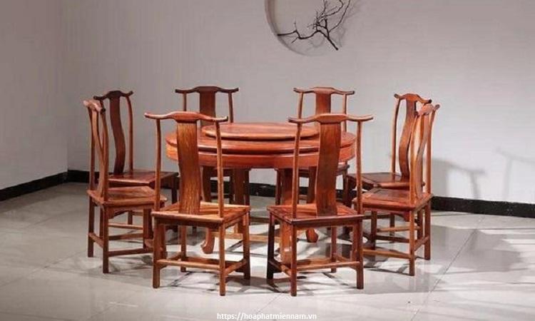 Đơn giản với bộ bàn ghế hình tròn