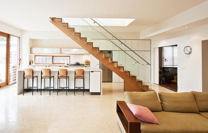 Vị trí đặt cầu thang lững đóng vai trò quyết định trong việc tạo ra không gian hoàn hảo cho ngôi nhà