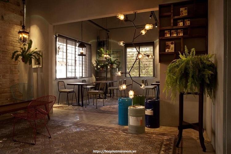 """Âm nhạc là tiền đề cho việc """"cảm"""" không gian phong cách của quán cafe cổ điển"""