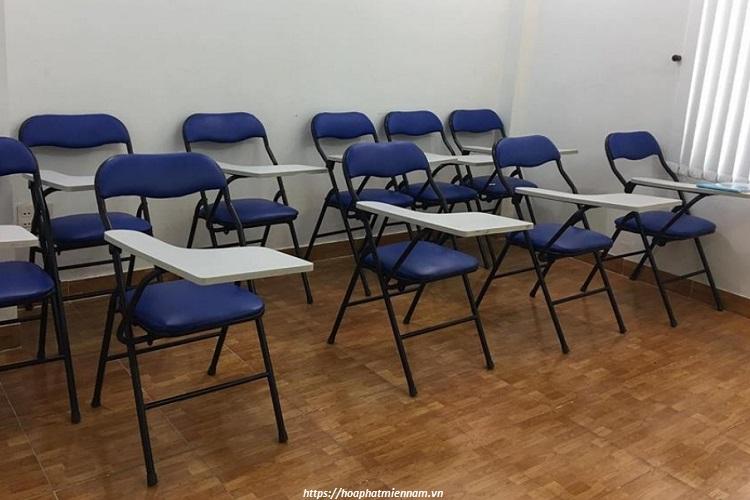 Ghê gấp có bàn dể dàng sử dụng trong các không gian phòng học lớn nhỏ với số lượng lớn