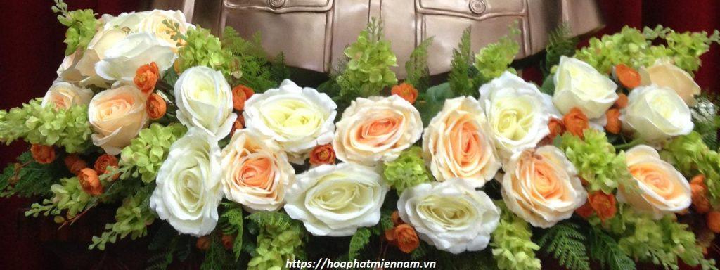 mẫu hoa để bục tượng bác