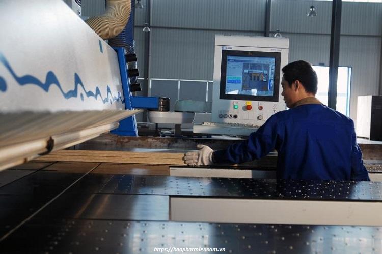 Sản xuất các chi tiết của tủ sắt