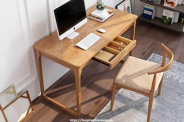 Bàn làm việc gỗ tự nhiên với hộc ngang gắn trên liền bàn đẹp sang trọng 3
