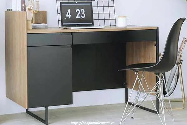 Chiếc bàn gỗ phối màu độc đáo