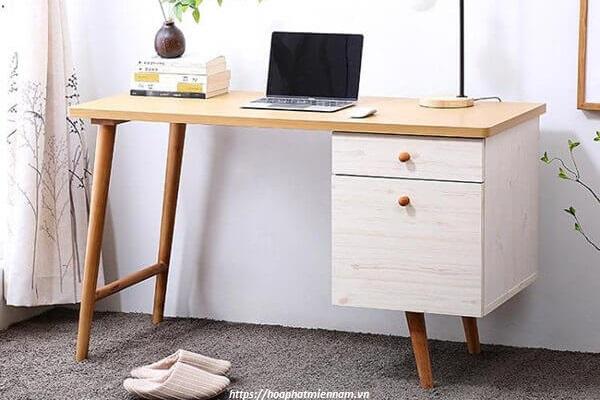 Bàn gỗ tự nhiên thiết kế đơn phù hợp cho mọi không gian