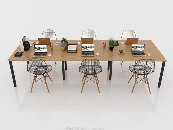Mẫu bàn văn phòng dạng cụm đơn giản giúp tiết kiệm không gian