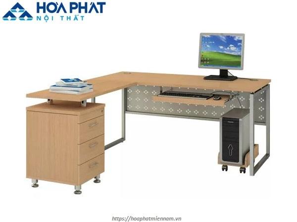 Bàn HR160C2Y1 thiết kế rộng rãi dể dàng thao tác