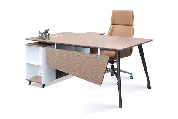 Chiếc bàn làm việc ngoài đúng chuẩn thì phải còn đáp ứng tính cảm quan cho người sử dụng