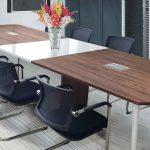 #4 mẫu bàn họp Hòa Phát chân sắt mặt gỗ giá rẻ 2020