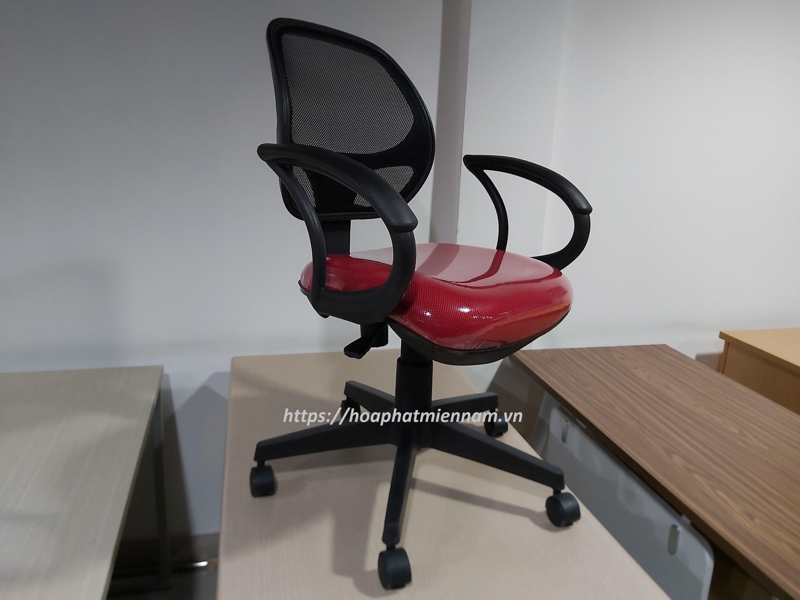 Hình ảnh thực tế ghế Hòa Phát GL101 tại Nội Thất Hòa Phát 55 Bạch Đằng