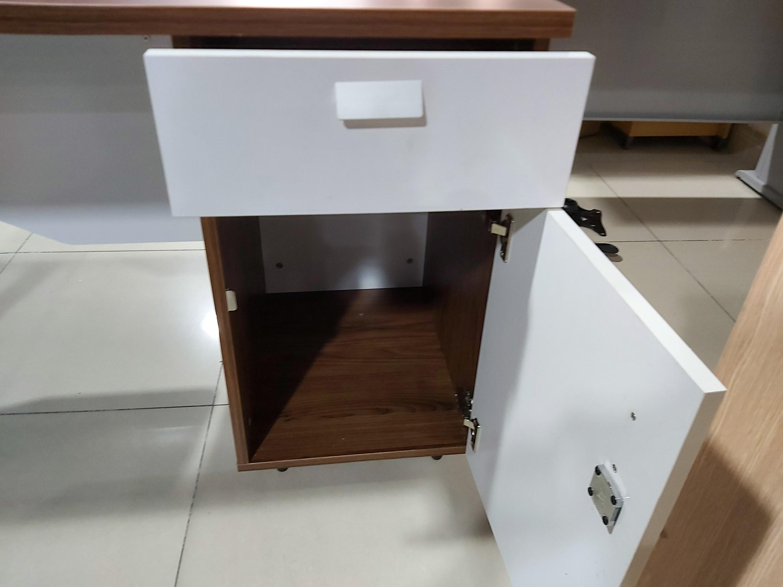 Tủ cánh mở bàn nhân viên LUX120SHLC10