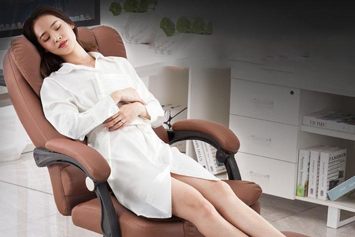 Sử dụng ghế massage giúp cơ thể thư giãn một cách hiệu quả