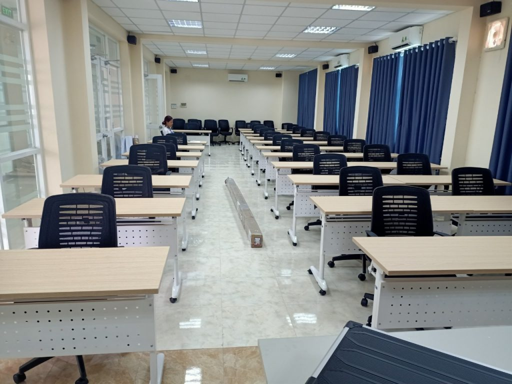 lắp đặt bàn ghế hội trường cao đẳng nghề ninh thuận