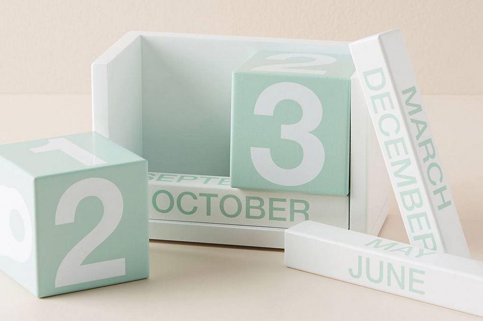 Thay đổi ngày tháng bằng cách đổi lại những khối ô vuông