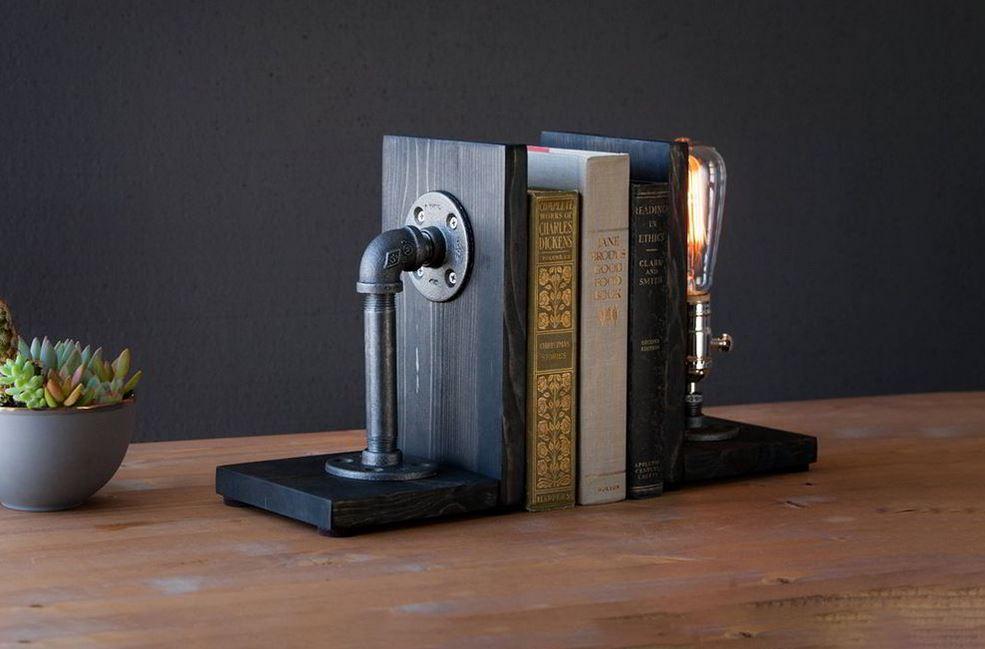 Chặn sách kết hợp đèn bằng ống nước