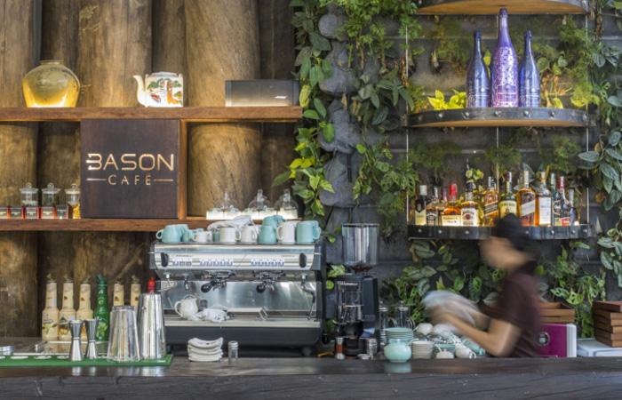 Không gian pha chế của Bason Cafe