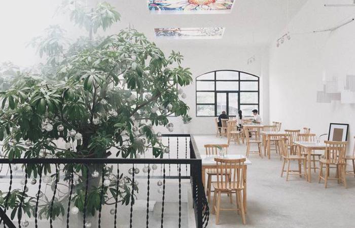 Mảng xanh bên trong Heritage Concept Chill Hub
