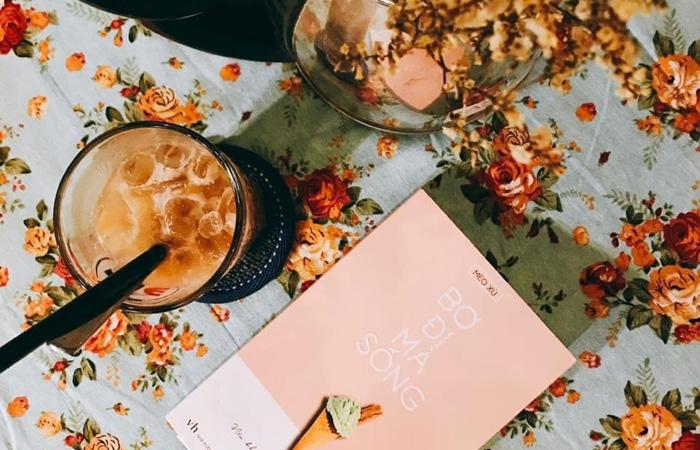 Phong cách decor menu đẹp nhẹ nhàng của We's Corner Coffee